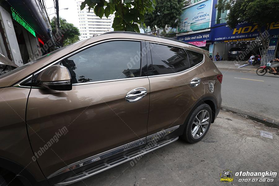 Viền kính ô tô Hyundai Santafe