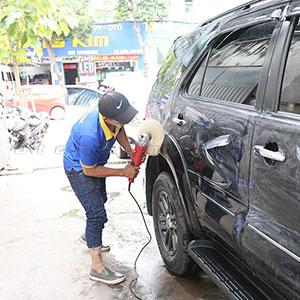 Cách đánh bóng xe ô tô và xử lý vết xước ô tô để chiếc xe luôn mới
